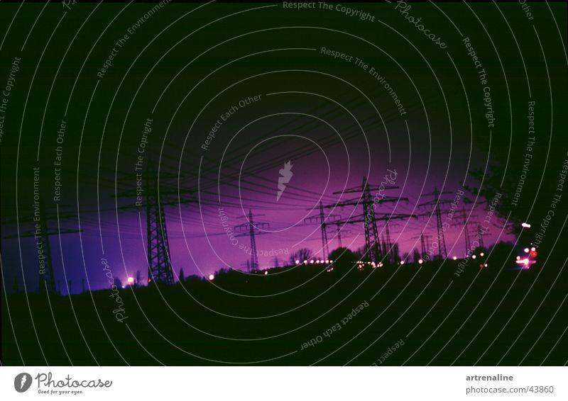Knistern elektronisch Horizont Nacht Langzeitbelichtung Lampe Industrie Elektrizität Strommast Morgen