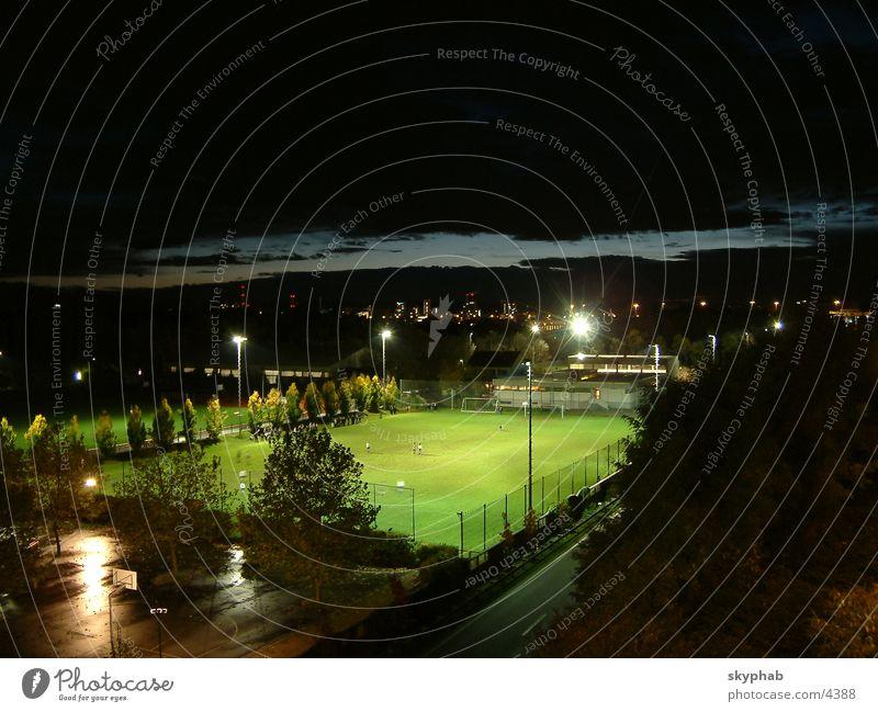 Fußball nachts Sport dunkel Nacht Flutlicht