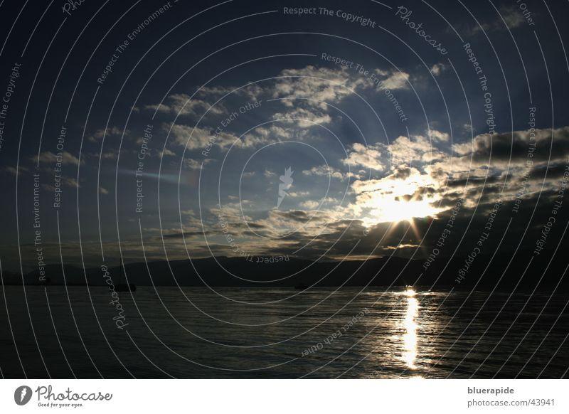 Morgen komm ich wieder und schein dir ins Gesicht Sonnenuntergang Wolken See Reflexion & Spiegelung schwarz Wasser Himmel blau Landschaft