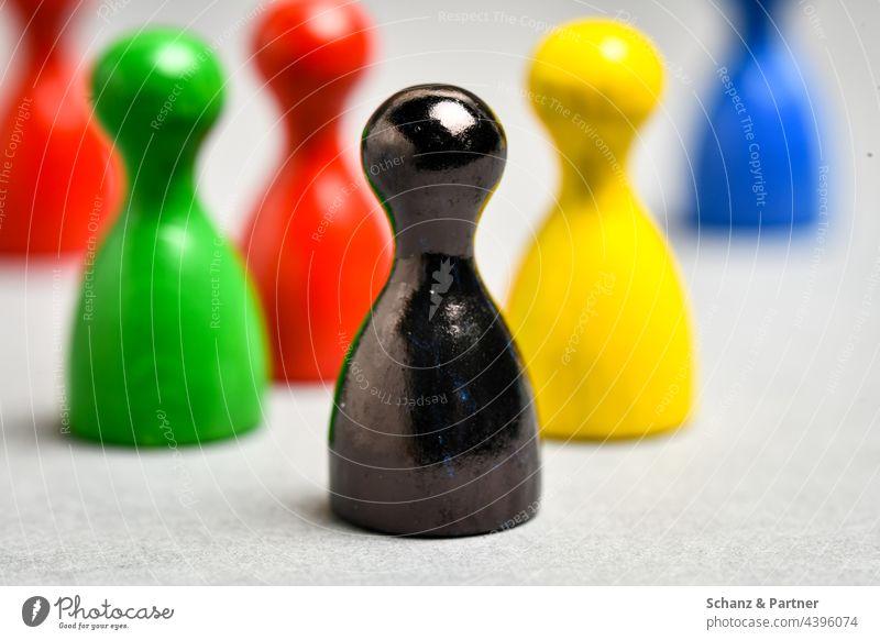 schwarze Spielfigur aus Gesellschaftsspiel BTW21 Parteien Wahl Wahlsonntag rot gelb grün Parteilandschaft Koalition Bundestag Politik Sympolisch CDU SPD FDP