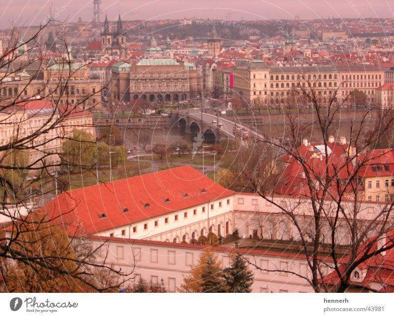 Prag - Blick auf die Altstadt Haus Architektur Brücke Fluss