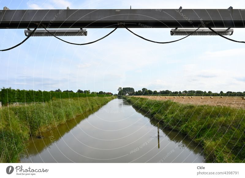Flethwedder Fluss Kanal Schöpfwerk Deich Felder Wiesen Bäume Wasser Altendeich Marsch Hochwasserschutz Kabel Stahlträger Landwirtschaft Wasserwirtschaft