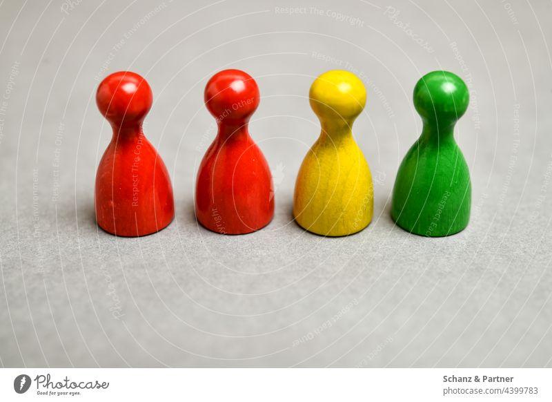 rot-gelb-grün Spielfiguren aus Gesellschaftsspiel BTW21 Ampel Ampelkoalition Partei Parteien Wahl Wahlsonntag schwarz Parteilandschaft Koalition Bundestag