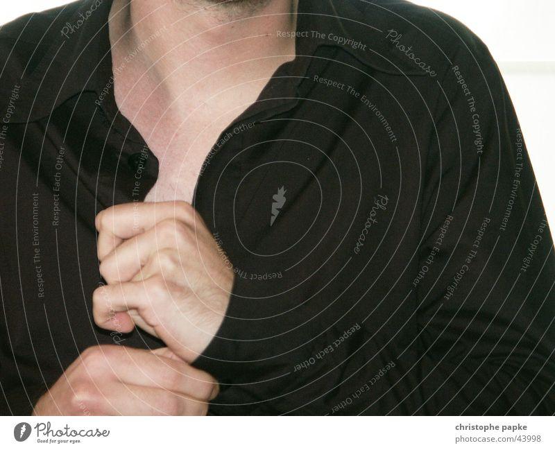 hemd Mensch Hand schwarz Stil Mode Arbeit & Erwerbstätigkeit elegant maskulin Erfolg Bekleidung Hemd Karriere Knöpfe Textilien Bildausschnitt anziehen