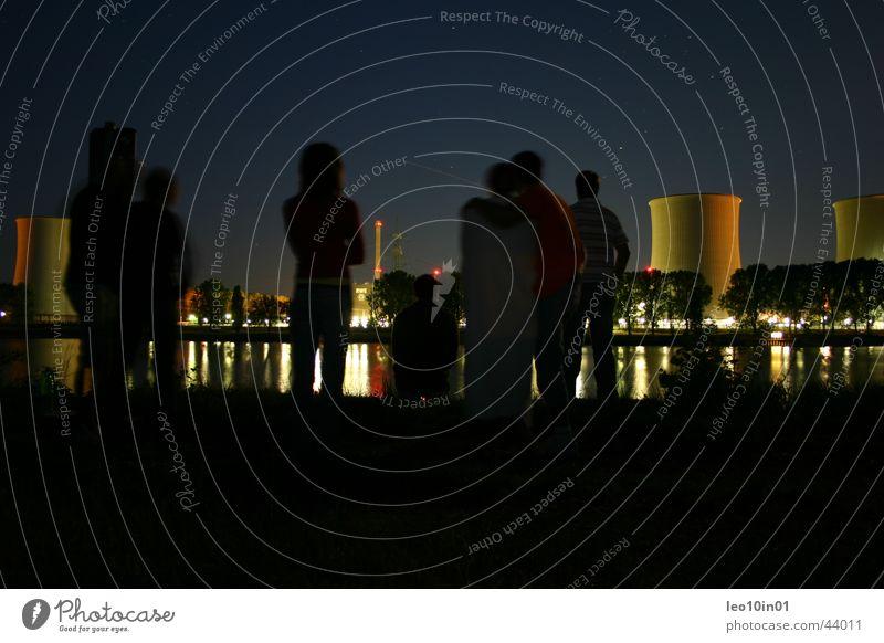 Friends Freundschaft Nacht Elektrizität dunkel Kernkraftwerk Stern Menschengruppe Stromkraftwerke Wasser Rhein Sternenhimmel