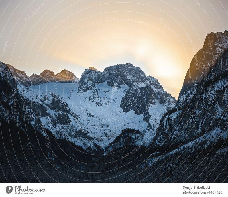 Sonnenaufgang über dem Dachsteingletscher, Österreich Gletscher Landschaft Winter Alpen Schnee Natur Außenaufnahme Felsen Schönes Wetter Menschenleer Farbfoto