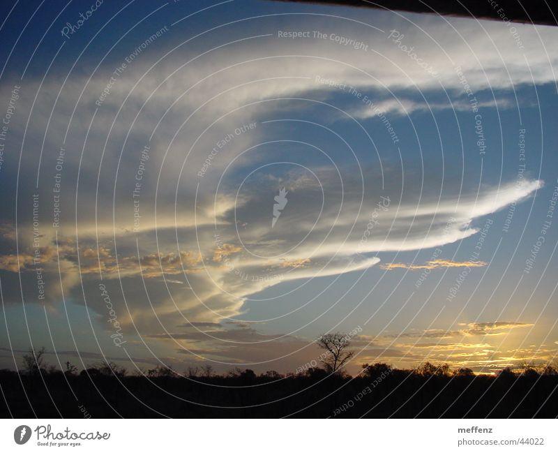 outback sky Outback Australien Sonnenuntergang Wolken träumen
