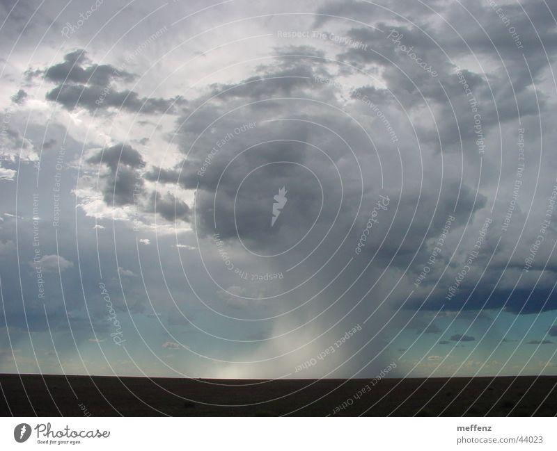 Danger - deep in the Outback Wolken Angst Sturm Australien Tornado Outback