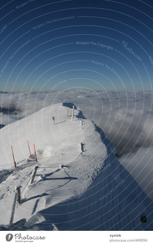 Der schmale Grat Ferien & Urlaub & Reisen Tourismus Winterurlaub Berge u. Gebirge Umwelt Natur Landschaft Urelemente Himmel Wolken Horizont Klima Klimawandel