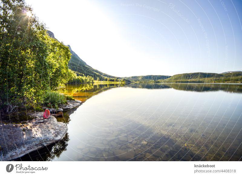 skoddebergvatnet II See Wasser Seeufer Landschaft Natur Farbfoto Menschenleer Reflexion & Spiegelung Außenaufnahme Wasseroberfläche Wasserspiegelung Umwelt