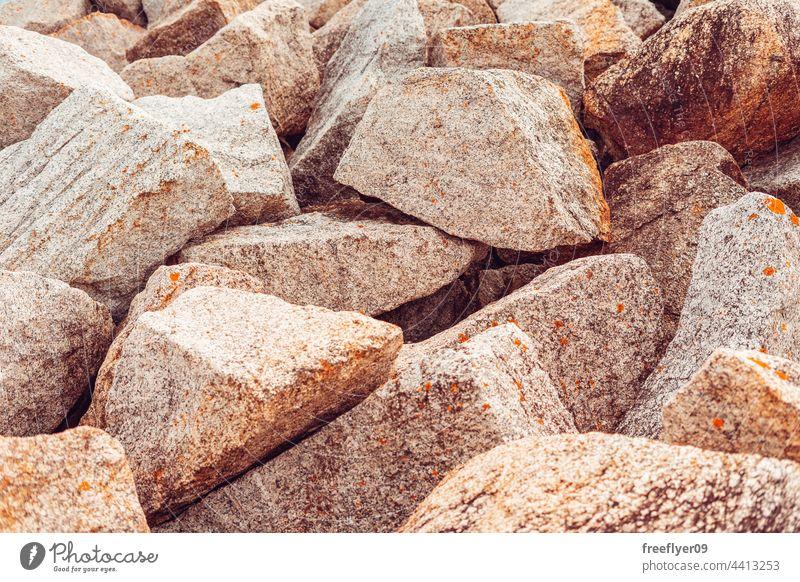 große Granitsteine aufgetürmt Steine Textur Textfreiraum Bergbau Mine Sammlung Tapete Felsen Stücke künstlich Wellenbrecher Uferdamm Pause Haufen Horizont