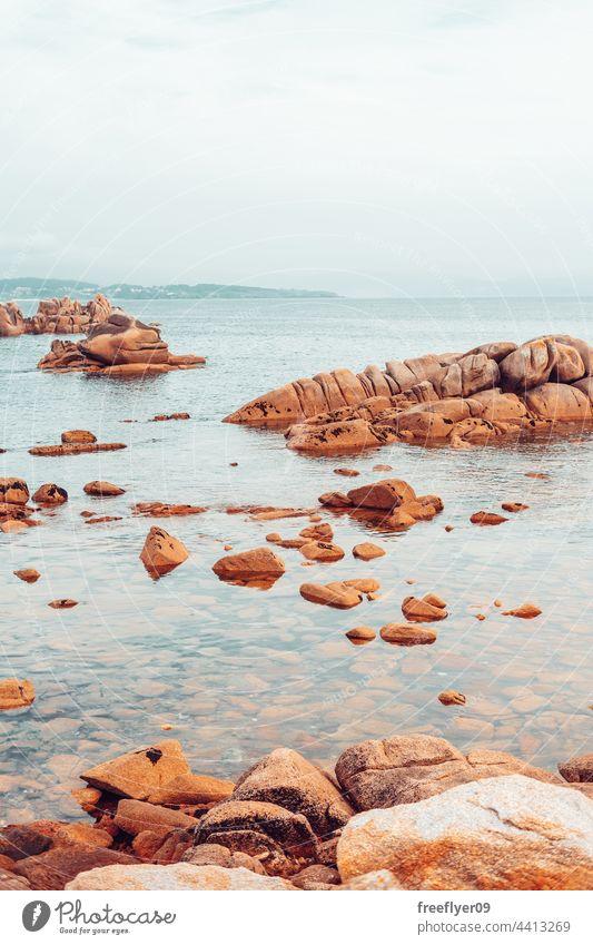 Landschaft an einer Mittelmeerküste MEER Meereslandschaft Steine Granit Horizont Textfreiraum niemand Strand Felsen malerisch Tag Klippe Natur Wasser