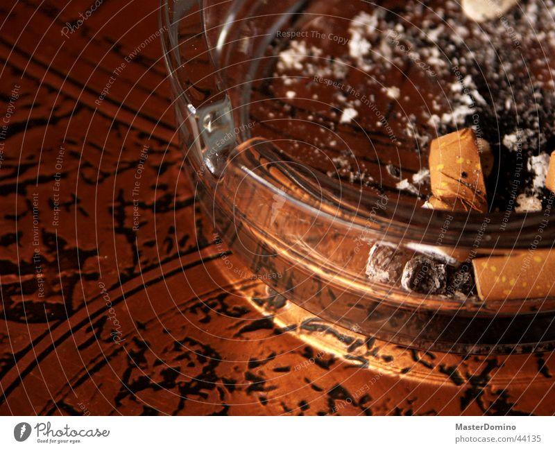 Asche auf mein Haupt Aschenbecher Zigarette durchsichtig Tisch Bronze Freizeit & Hobby Glas Erde Brand Brandasche Filter Zigarettenstummel