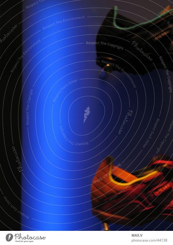 Neon Blue blau Schuhe Freizeit & Hobby Werbung Neonlicht diffus