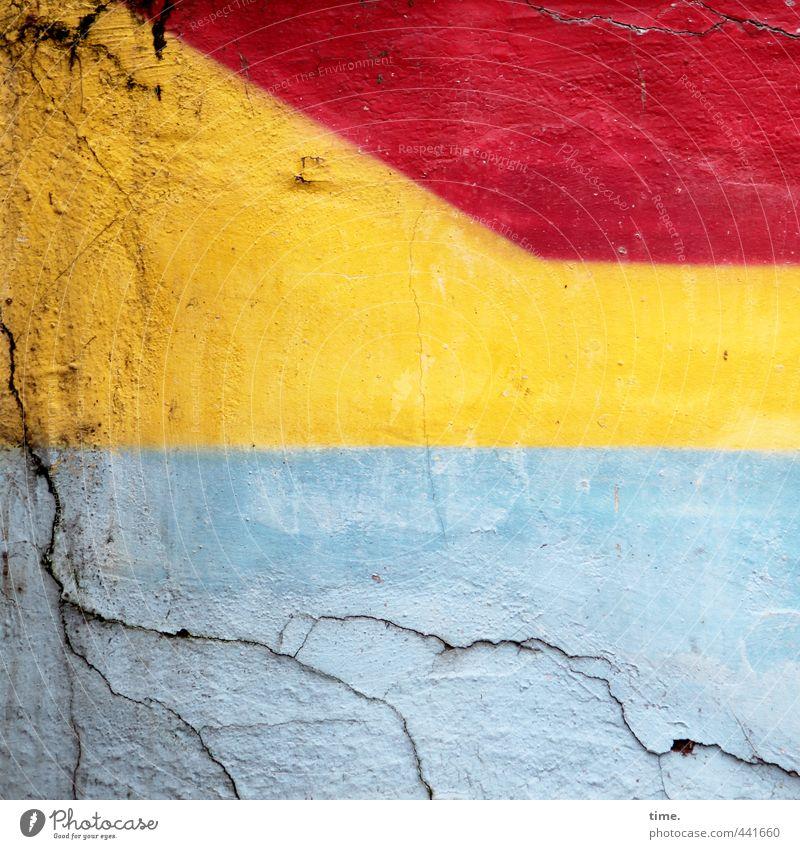 !Trash! | Oase mit Sanddüne vor Sonnenuntergang Stadt Wand Mauer Horizont Kunst Fassade Design Ordnung kaputt Vergänglichkeit Wandel & Veränderung historisch