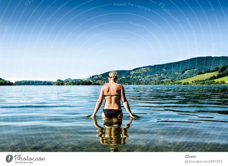 badenixe Jugendliche Ferien & Urlaub & Reisen blau schön grün Wasser Sommer Erholung Junge Frau Landschaft ruhig 18-30 Jahre Erwachsene kalt Berge u. Gebirge