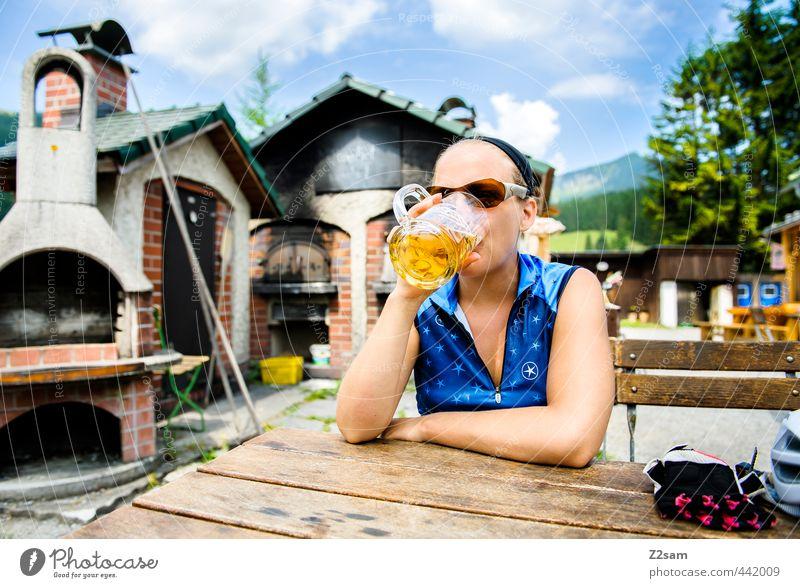 PROST!!!!!!! Mensch Himmel Natur Jugendliche Ferien & Urlaub & Reisen Sommer Erholung ruhig Landschaft Junge Frau Erwachsene 18-30 Jahre feminin Stil Idylle