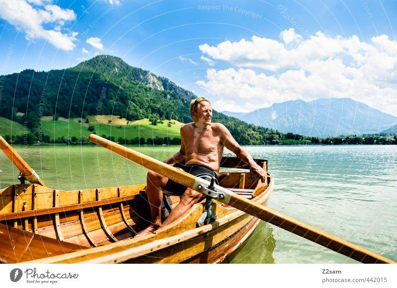 captain Himmel Natur Mann Ferien & Urlaub & Reisen Erholung ruhig Landschaft Wolken Berge u. Gebirge Senior See blond Idylle Zufriedenheit Lifestyle Tourismus