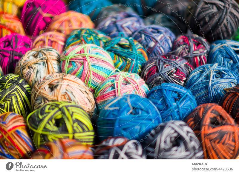 Wolle Auswahl Bunt Farbaufnahme Farbe Farbig Fotografie Fülle Große Ansammlungvon Gegenständen Handarbeit Hobby innenaufnahme Niemand Variation