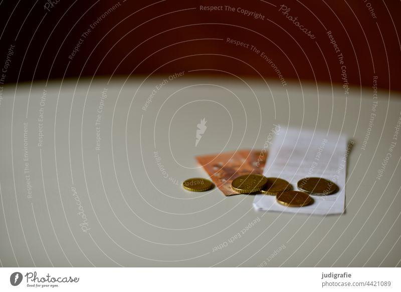 Wechselgeld Geld kleingeld Münzen Euro währung Geldmünzen Bargeld Geldschein kassenzettel Kleingeld Cent bezahlen kaufen Finanzen Rest sparen