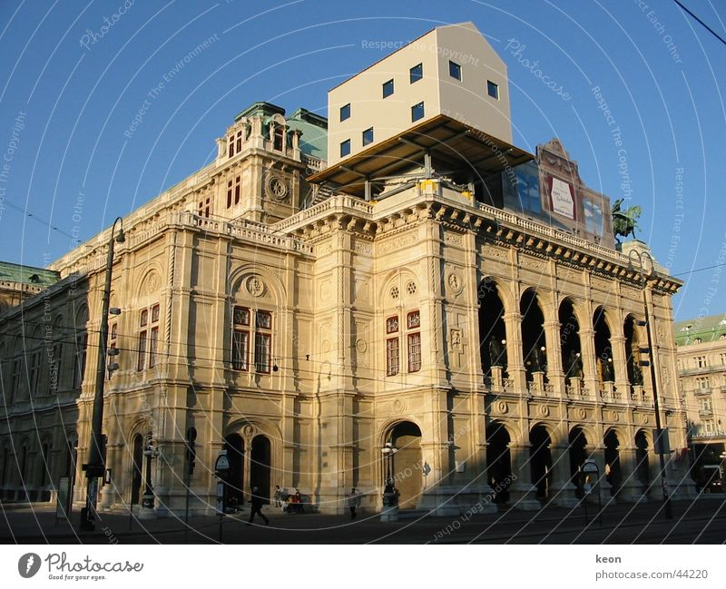 Draufgesetzt draufgesetzt Haus Restauration Wien Architektur auf dem Haus Oper Skurill