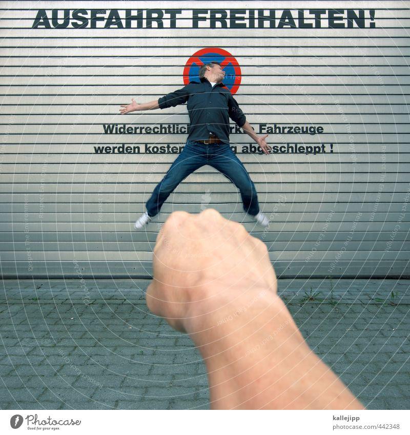 knöllchen Mensch Mann Hand Erwachsene Körper maskulin Arme Verkehr Luftverkehr Hinweisschild Zeichen Gewalt kämpfen parken Verbote Garage