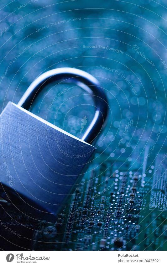 #A# Internet-Kriminalität Krimineller Internethandel Sicherheit Sicherheitsdienst Sicherheitskontrolle Firewall Viren virenschutz virenprogramm administrator