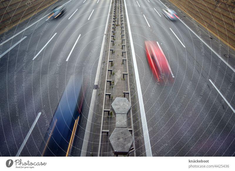 autobahn Autobahn Verkehr Langzeitbelichtung PKW Straße Verkehrswege Straßenverkehr fahren Geschwindigkeit Personenverkehr Bewegungsunschärfe Autofahren