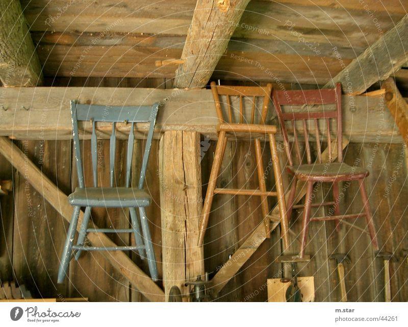 Flying Chairs Stuhl Holz braun Dinge hängen Häusliches Leben chairs