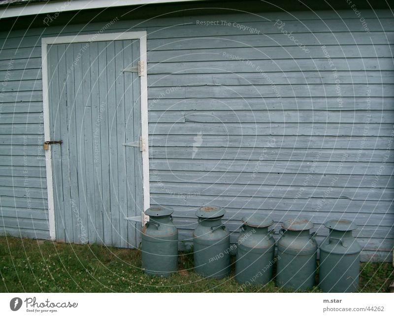Die Milchfabrik Haus Wand Holz Architektur Tür Fabrik Kanada Milch Krug blau-grau