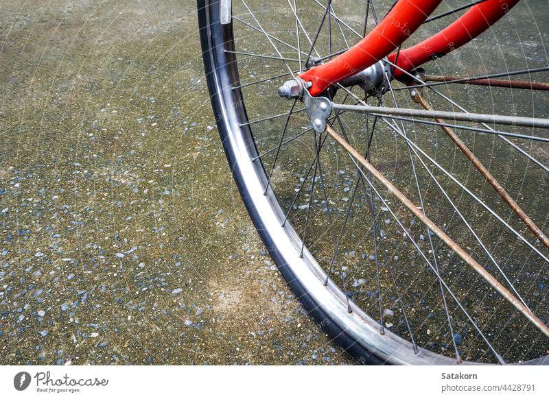 Rad und lebendige orange Farbe Körper von Vintage Bicycle altehrwürdig Fahrrad Fahrzeuge Hintergrund retro Stahl Verkehr klassisch abschließen reisen Lifestyle
