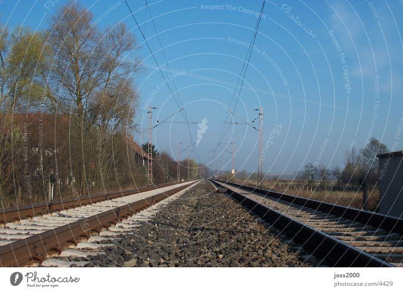 Zugstrecke bei Dehnsen Ferien & Urlaub & Reisen Eisenbahn Technik & Technologie Gleise Elektrisches Gerät