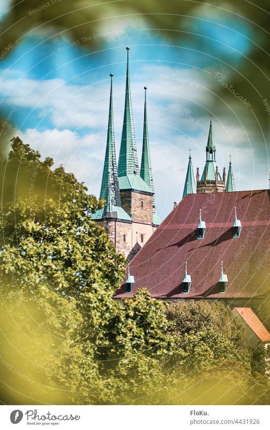 Erfurt Kirche St. Severi Architektur Gebäude mittelalterlich Glaube Gott Christentum Sonnenschein Tag Thüringen Landeshauptstadt Dach Kirchturm Kirchturmspitze