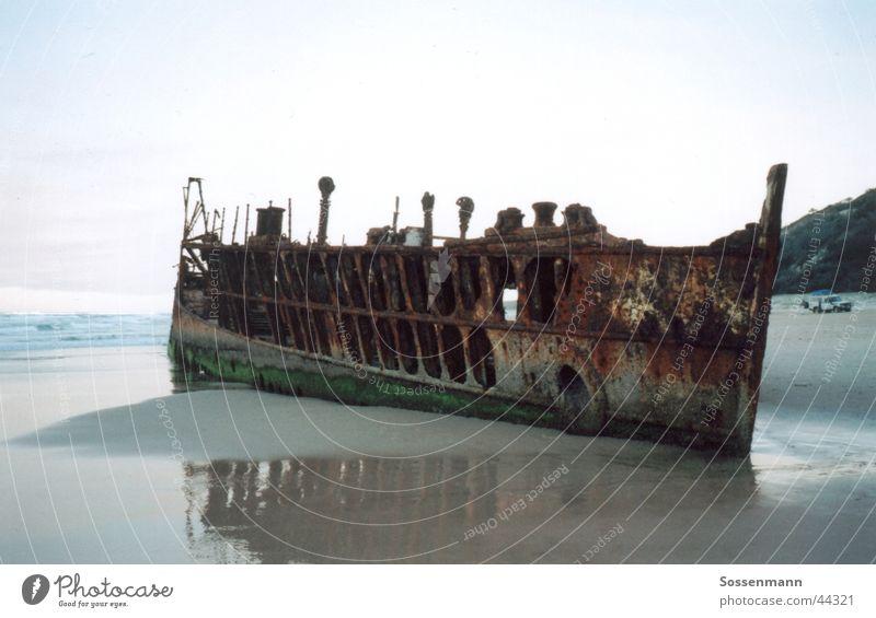 Schiffswrack Wasserfahrzeug Strand Meer Australien Fraser Island Rost