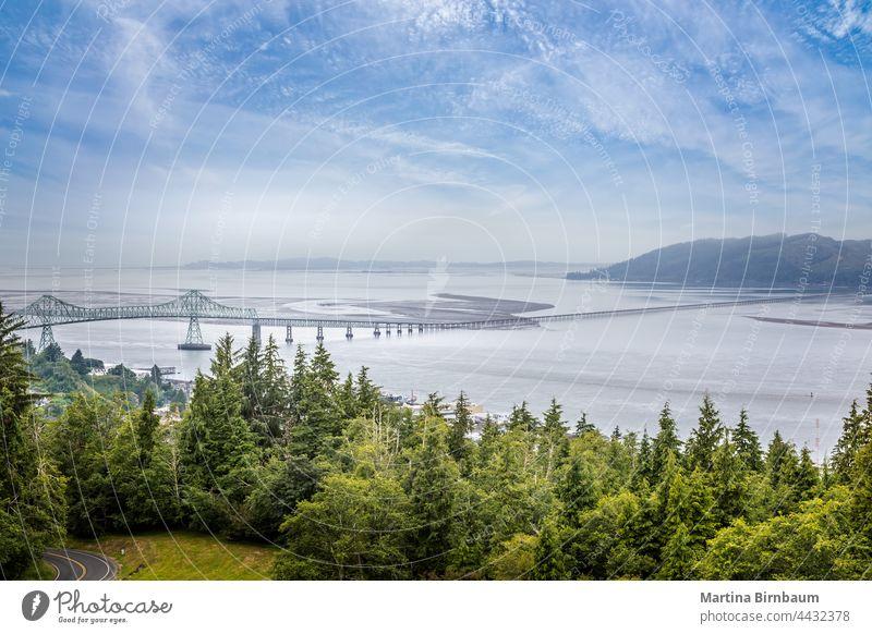 Blick von oben auf die Astoria Megler Bridge, Oregon übergreifend USA 4,2 Meile lang Wahrzeichen astoria megler brücke Astoria-Megler Brücke
