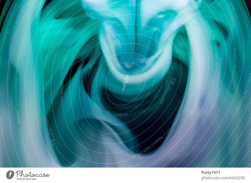 Wabernde Flüssigseife zerläuft. Abstrakter Hintergrund. Seife wabern Flüssigkeit Makroaufnahme Detailaufnahme psychedelisch abstrakt Strukturen & Formen