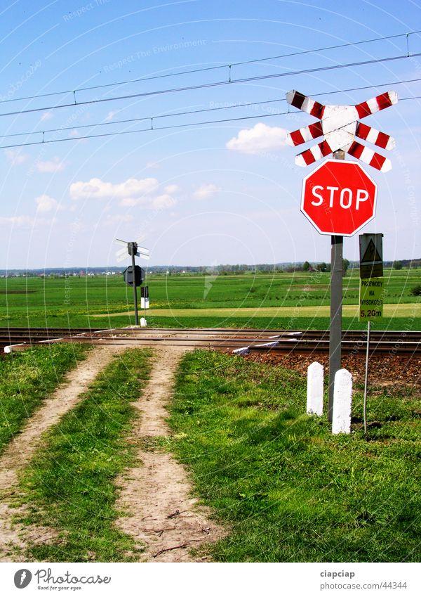 stop Himmel Gras Zeichen Fußweg