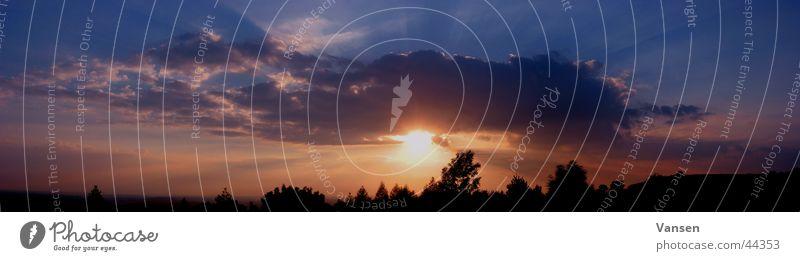 schönes Franken Sonne Wolken groß Abenddämmerung Panorama (Bildformat)