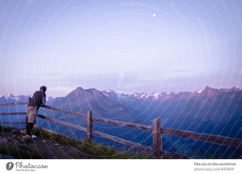 Mein Moment Mensch Mann Ferien & Urlaub & Reisen Erholung Einsamkeit ruhig Landschaft Ferne Erwachsene Berge u. Gebirge Schnee Senior Freiheit maskulin Freizeit & Hobby Zufriedenheit