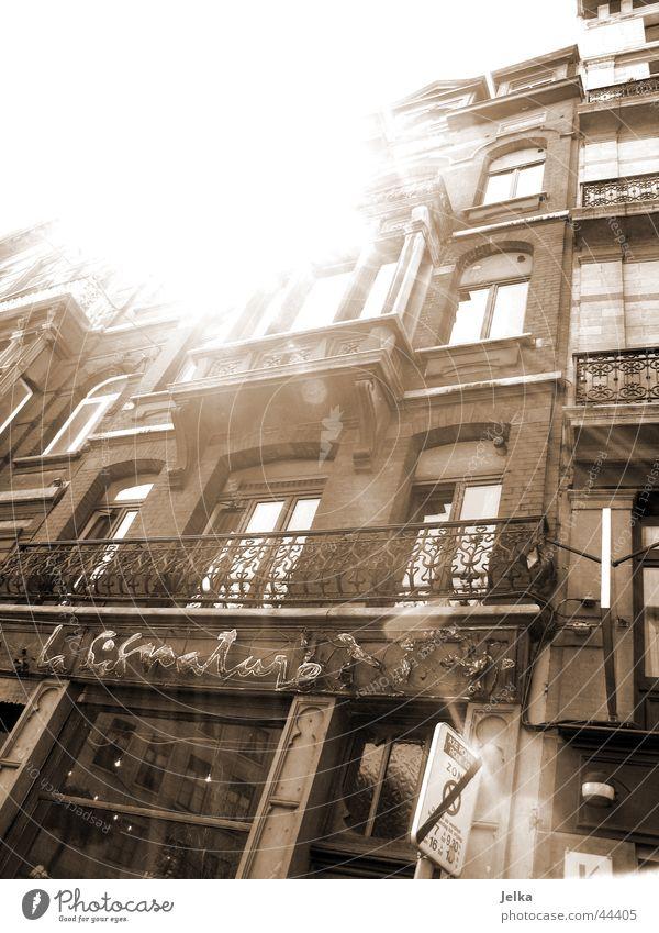 Bruxelles Sonne Haus Architektur hell Europa blenden Reaktionen u. Effekte Sonnenstrahlen