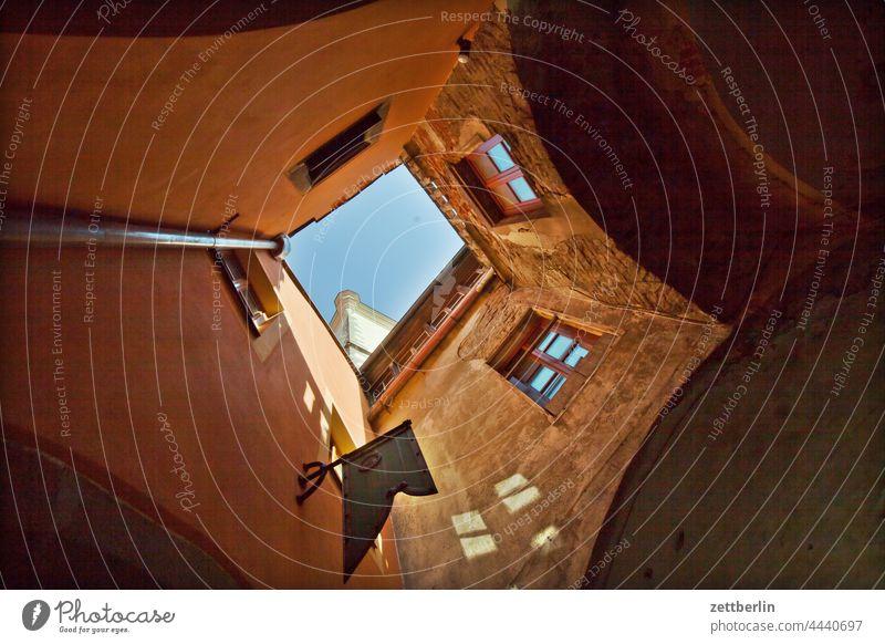 Tábor, am Markt altstadt architektur dunkel fachwerkhaus gasse gebäude historisch hussiten jan hus mittelalter nacht sommer stadtkern tourismus touristik