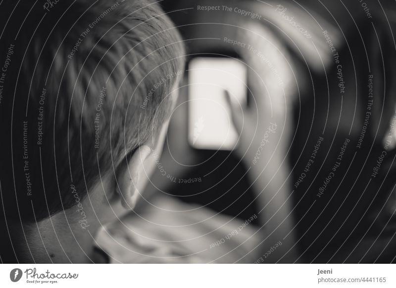 Vollkommen digital digitalisierung Internet Digitalisierung online Technik & Technologie modern Zukunft Bildschirm Handy Smartphone Telegramm Signal whatsapp