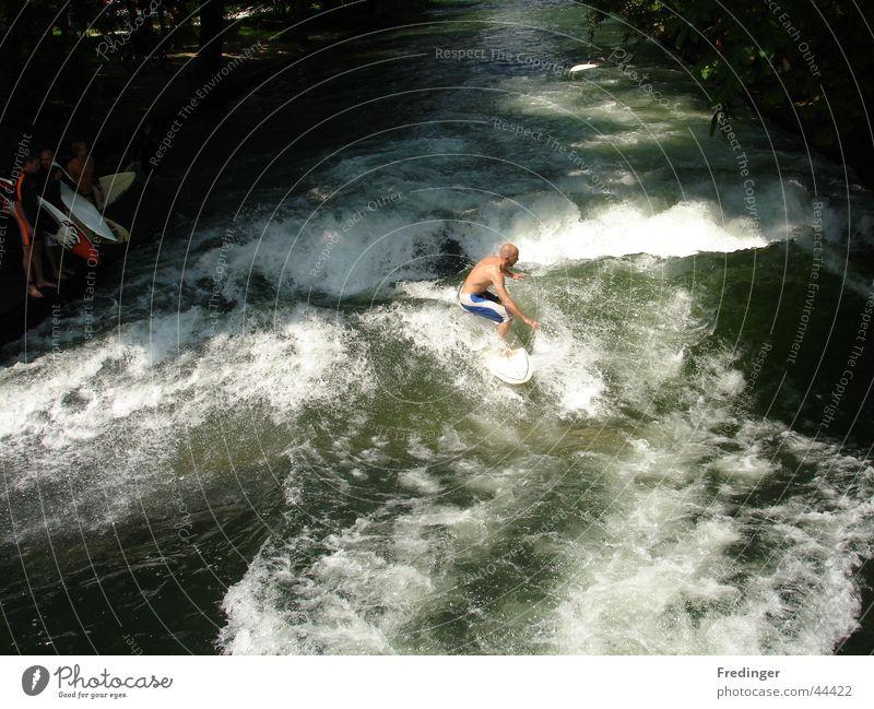 2 hot ² Mann Freude Sport Wellen Mut Surfen Kühlung