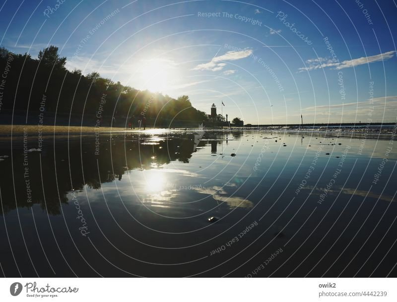 Strand bei Kolberg Kolobrzeg Leuchtturm Polen Idylle Sehnsucht Außenaufnahme Reflexion & Spiegelung Dämmerung Abend Panorama (Aussicht) Schönes Wetter Herbst