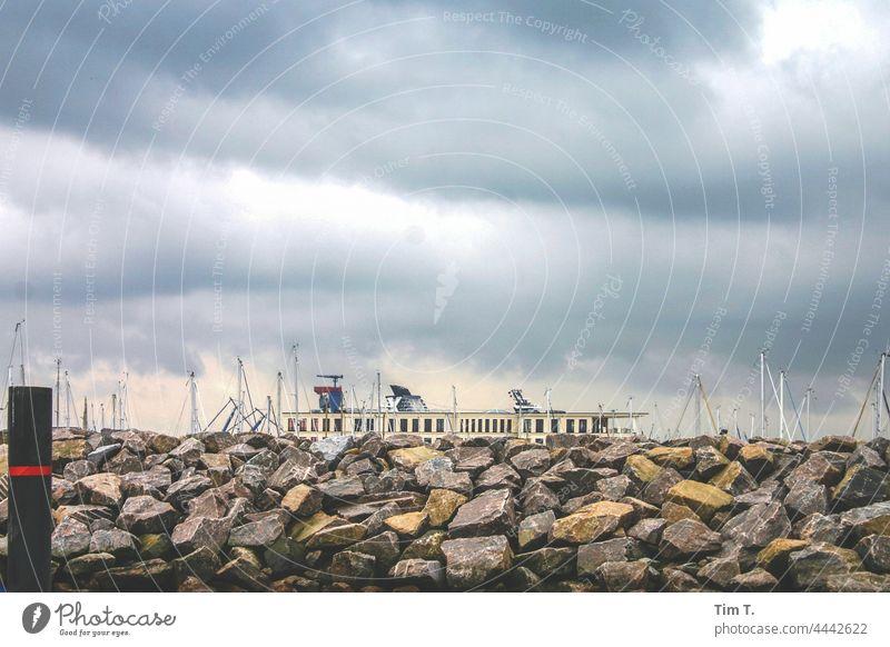 Hafen an der Ostsee mit Mole ostseeküste Himmel Mecklenburg-Vorpommern Himmel auf Erden Ostseeküste Küste Meer Ferien & Urlaub & Reisen Außenaufnahme Tourismus