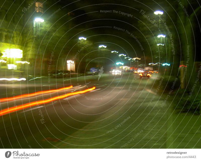 Discotour Licht Nacht Langzeitbelichtung Geschwindigkeit dunkel Lampe Laterne Rücklicht Verkehr PKW Scheinwerfer