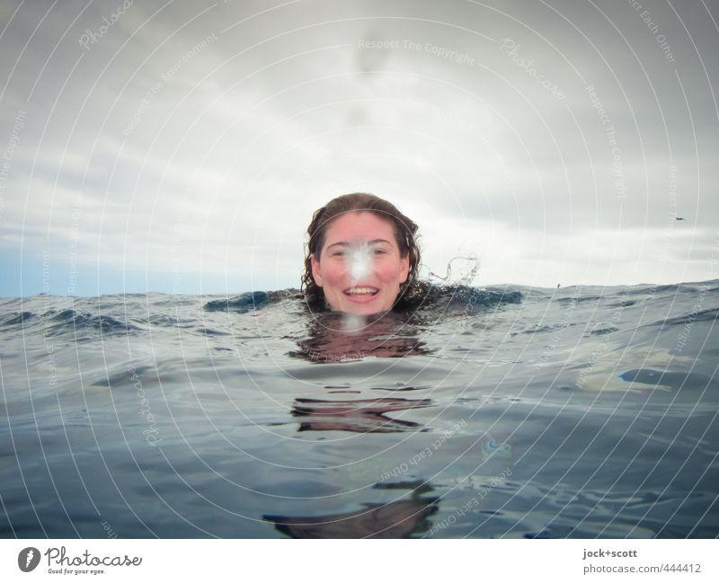 smiley nose ocean Mensch Himmel Jugendliche Wasser Junge Frau Meer Wolken Freude Ferne Wärme Leben feminin Schwimmen & Baden Horizont Wetter Freizeit & Hobby