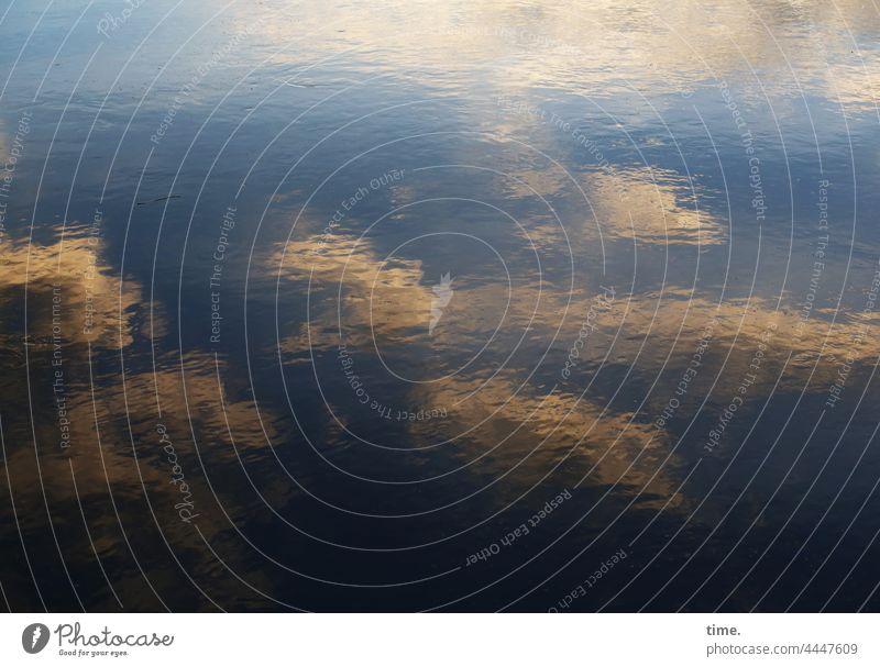 Lebenslinien #149 wasser fluss himmel spiegelung reflexion wolken oberfläche impressionistisch lichtverlauf phantasie illusion abbild imagination