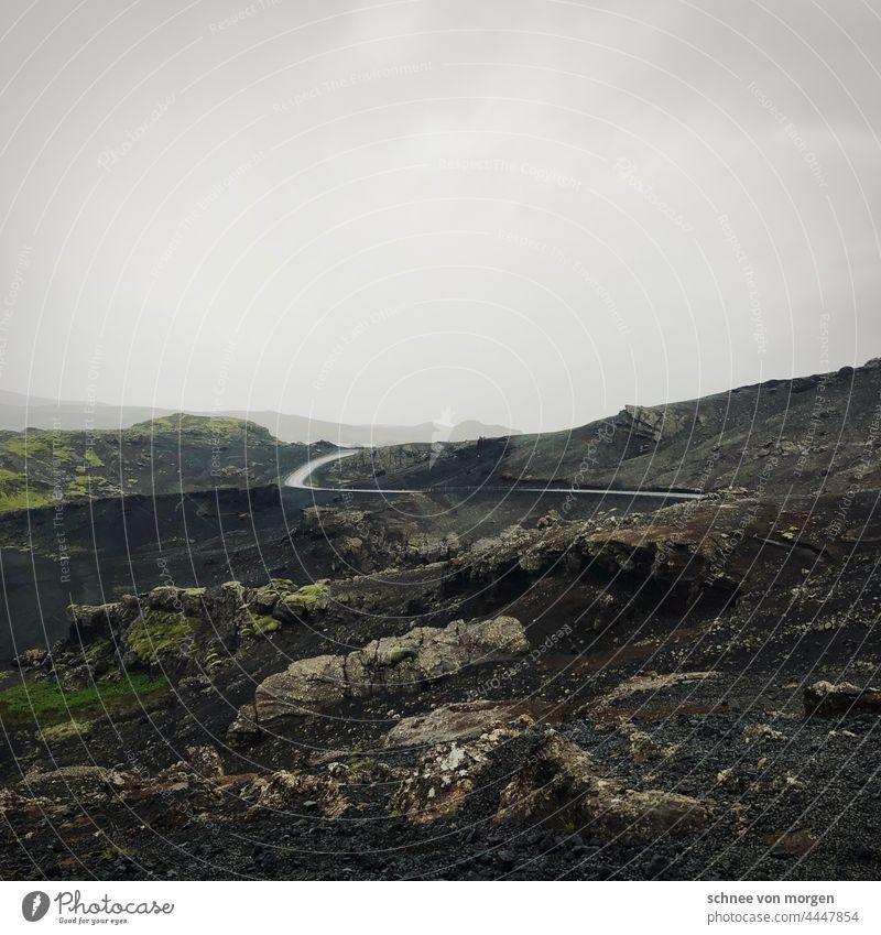 Days of grey Island Reykanes See Wasser Landschaft Menschenleer Eis kalt Außenaufnahme Klimawandel Himmel Straße Weg vulkanisch Ruhe allein weite natürlich