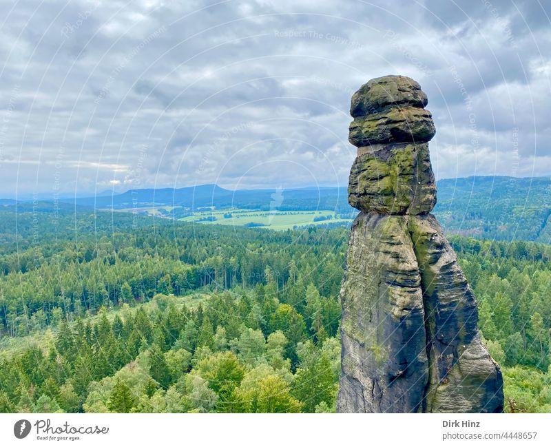 Die Barbarine im Elbsandsteingebirge barbarine Königsstein Ferien & Urlaub & Reisen Sächsische Schweiz Erholung Landschaft Berge u. Gebirge wandern Menschenleer